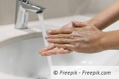 person-washing-hands-close-up_01.jpg